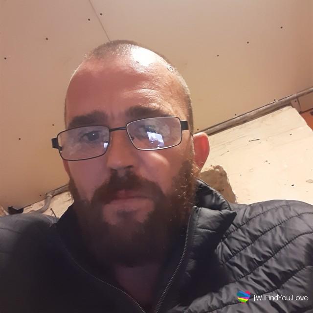 Paul, 37, Littlehampton, UK